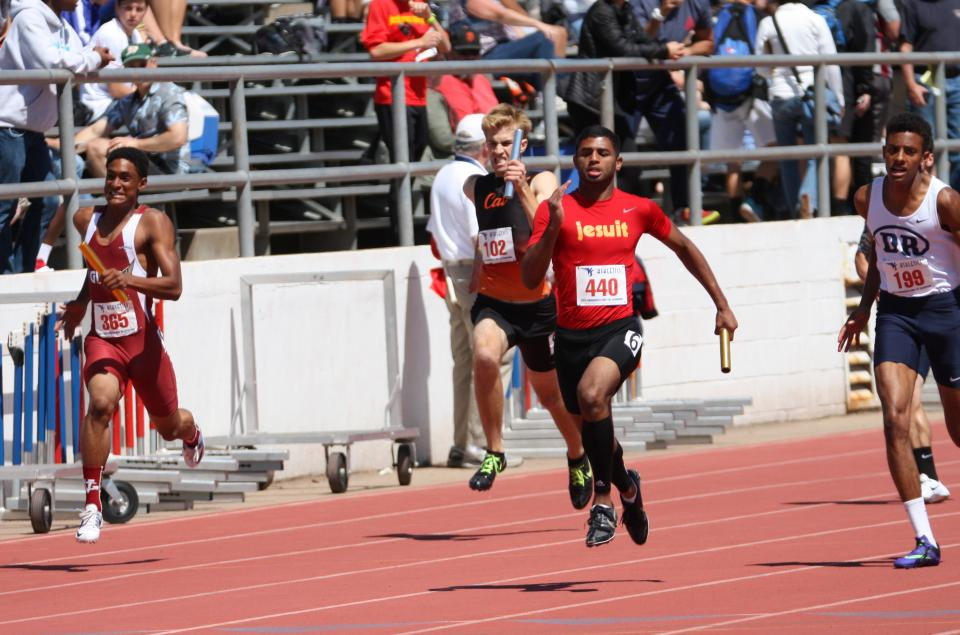 Image of 4×100m Relay Qualifies for Masters Finals